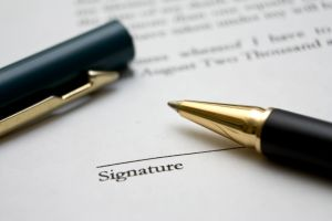 Signing-a-Contract-with-an-Irish-Company